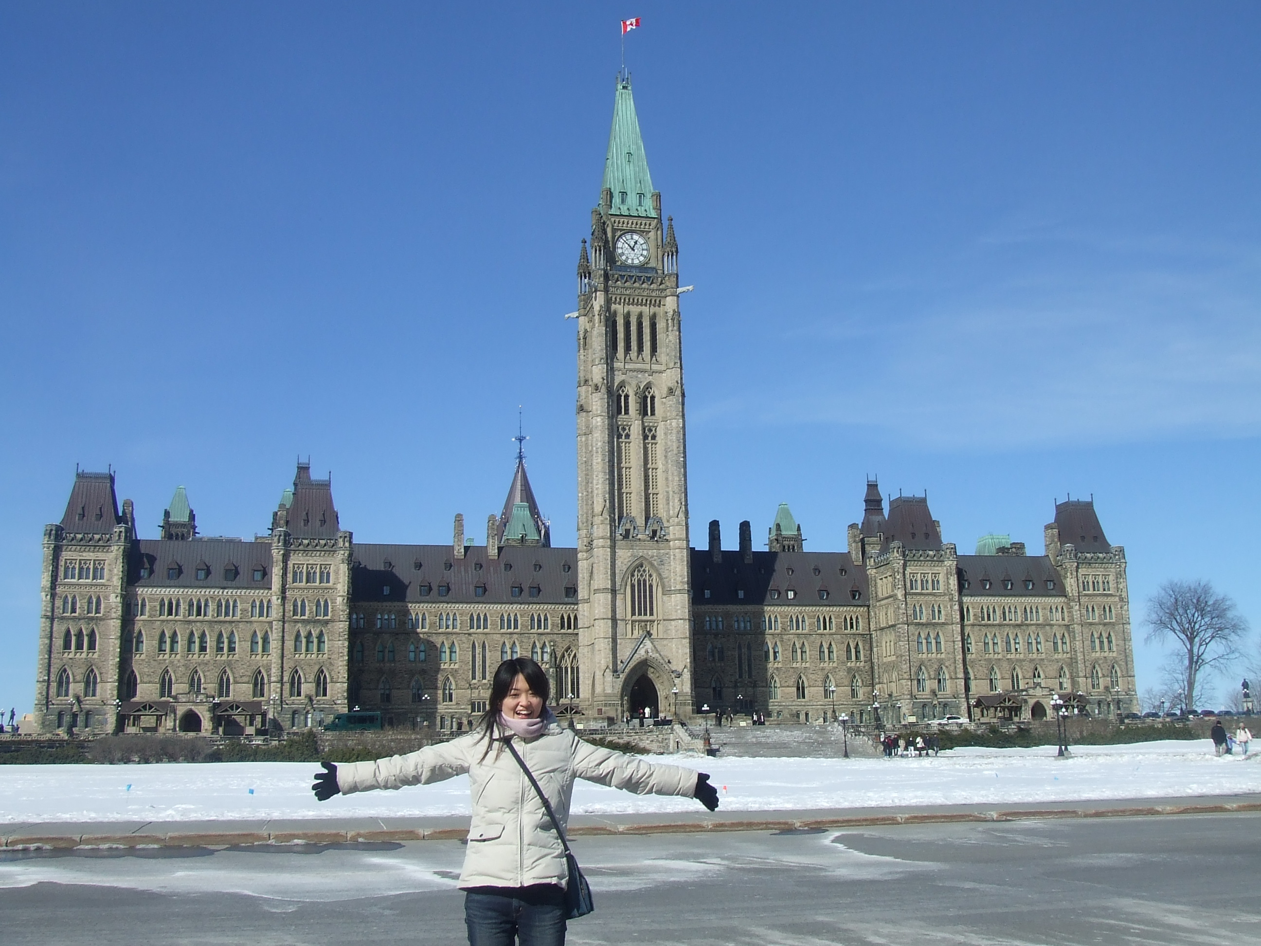 picture of intern Sayaka on tour in Ottawa with parliament buildings